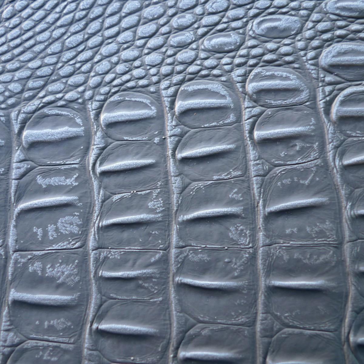 #076 Silver/Grey Croc